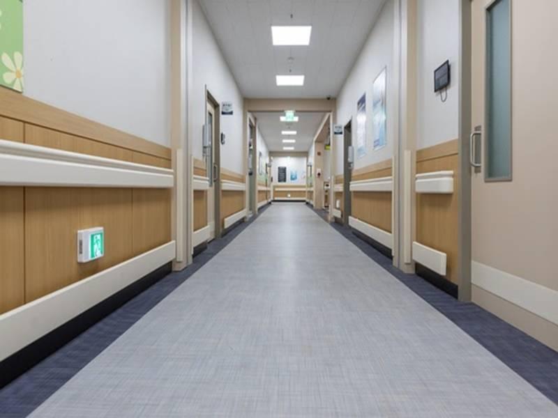 У польських лікарнях зачиняються відділення через нестачу лікарів